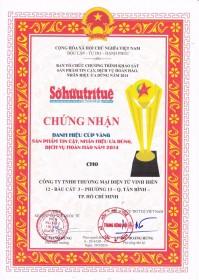 """Vinh Hiển nhận giải thưởng Cúp vàng: """"Sản phẩm tin cậy, dịch vụ hoàn hảo, nhãn..."""